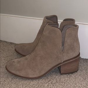 WOMEN'S NORDSTROM TAN  BP BOOTIES WITH BLOCK HEEL